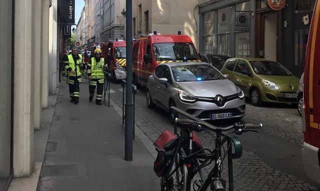 La explosión ha dejado al menos ocho heridos
