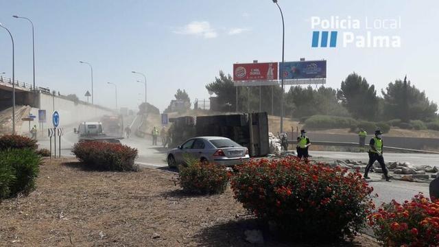 El suceso ha provocado grandes retenciones (Foto: Policía Local Palma)
