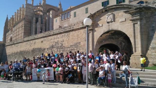 Más de 100 personas han participado en la marcha organizada por Cáritas (Foto: Twitter)
