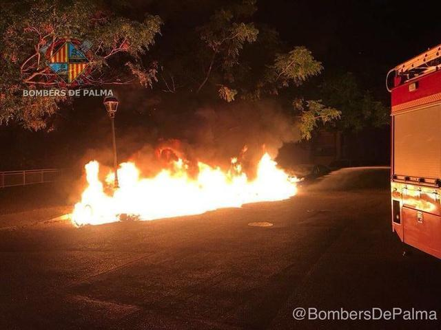 La mujer está acusada de provocar tres incendios (Foto: Archivo Bombers de Palma)