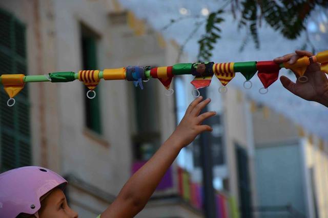 La 'correguda de cintes i de joies' es uno de los actos más tradicionales de las fiestas.