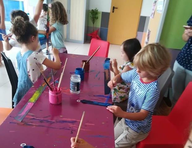 Los niños y jóvenes son protagonistas en el programa de actividades.
