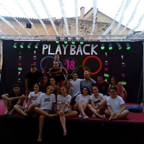El concurso de play-back sirve para descubrir nuevos talentos musicales.