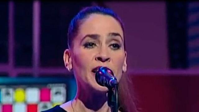 Inés Bayo durante una actuación