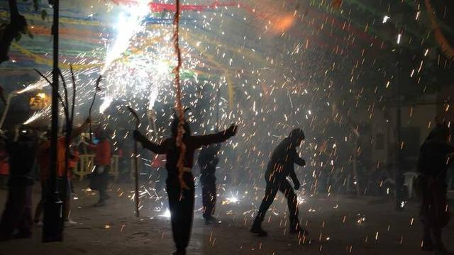 Correfoc fiestas de s'Arracó (Foto: Ayuntamiento de Andratx)