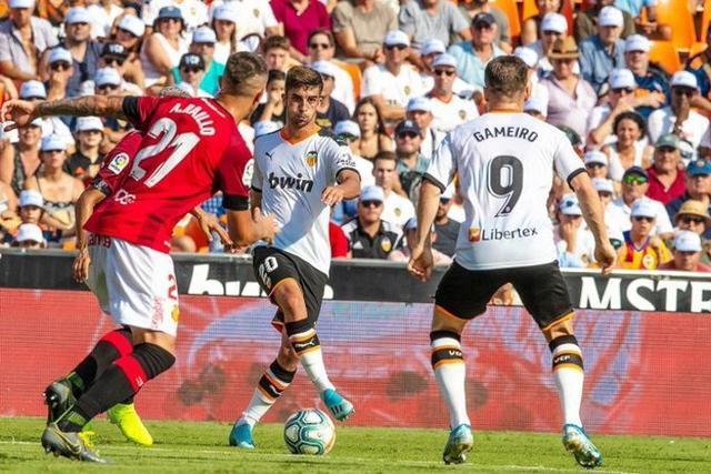 Un innecesario penalti de Raíllo ha decantado la balanza al costado local (Foto: Twitter Valencia CF)