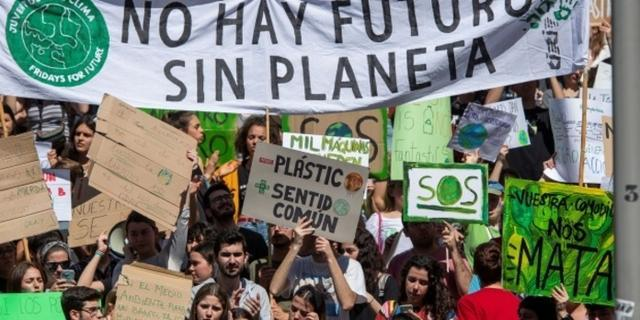 Imagen de la primera huelga por el clima el 15M. (Foto: EFE)