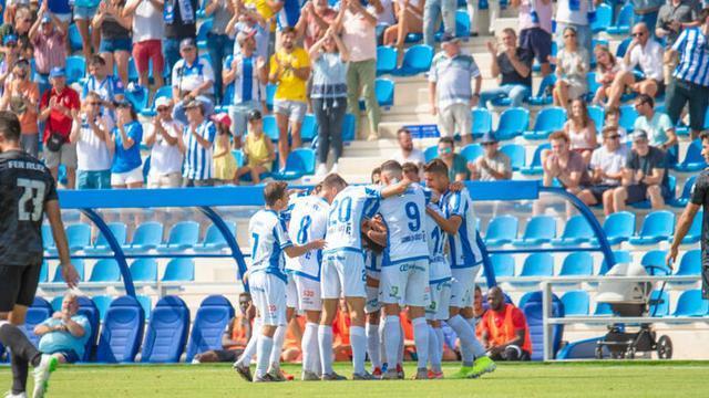 Los balearicos celebran uno de sus goles (Foto: Amador Magraner | ATB)