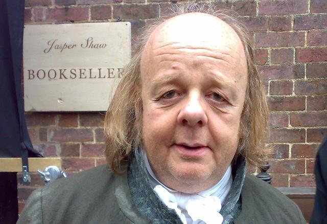 Roger Ashton Griffiths, conocido por su papel de Mace Tyrell en Juego de Tronos