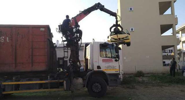 Hasta nueve vehículos han sido retirados (Foto: Aj ses Salines)