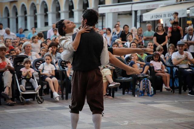 Imagen de las propuestas de artes escénicas llevadas a cabo en Ciutat (Foto: Fira B)
