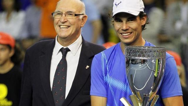 Andrés Gimeno y Rafa Nadal, en el homenaje al campeón más veterano de Roland Garros en 2011