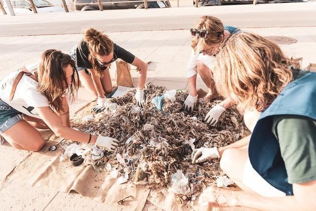 Recogida de residuos en la playa (Foto: Save The Med)