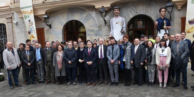 El alcalde de Inca, Virgilio Moreno, ha ejercido de anfitrión, invitando a la población mallorquina a visitar el Dijous Bo (Foto: MAC)