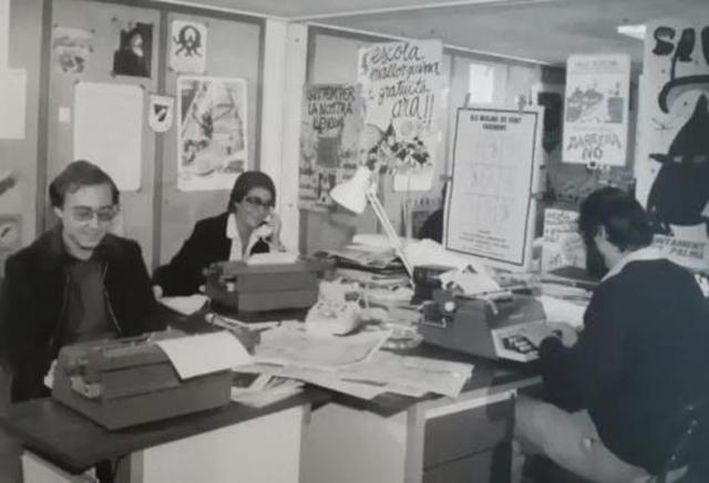 Imagen de la redacción de 'Informatiu balear' en sus primeros años (Foto: Twitter)