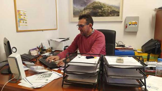 Guillem Villalonga, alcalde de Mancor, en su despacho