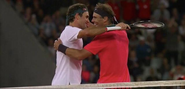 Federer vence a Nadal en un histórico encuentro en Sudáfrica