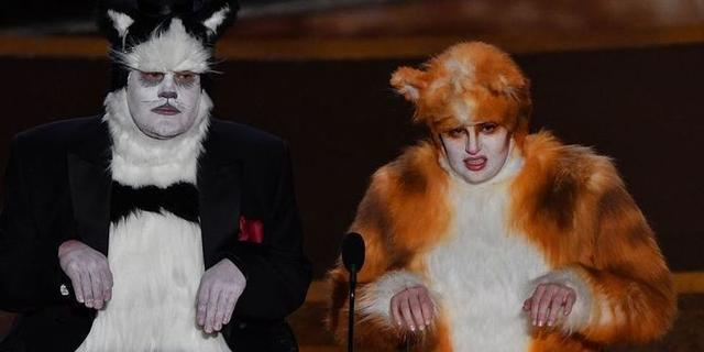 James Corden y Rebel Wilson, disfrazados de Cats en los Oscar