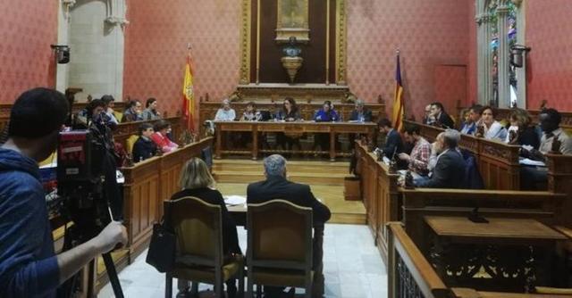 El pleno del Consell rechaza la Comisión de Investigación sobre la explotación de menores y aprueba la de Expertos