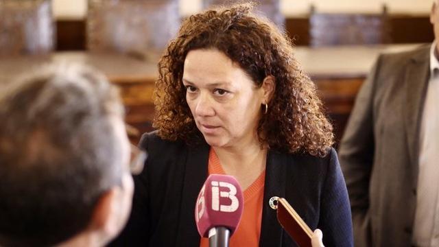 """Cladera pide a la oposición que actúe """"de forma responsable"""" ante los casos de explotación sexual a menores (Foto:@CatalinaClader1)"""